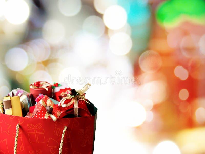 Bunte Geschenkkästen
