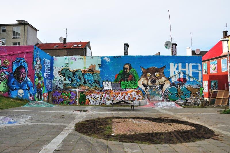 Bunte Graffitikünste in Island stockbild