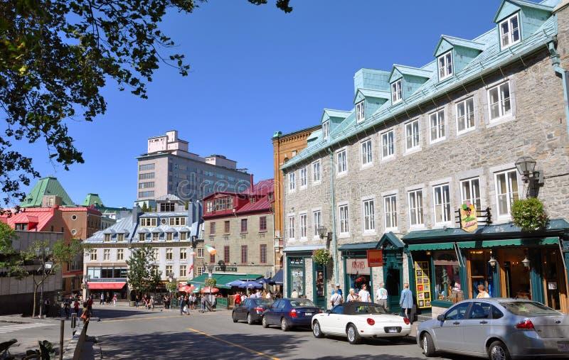 Bunte Häuser in altem Québec-Stadt stockfotografie