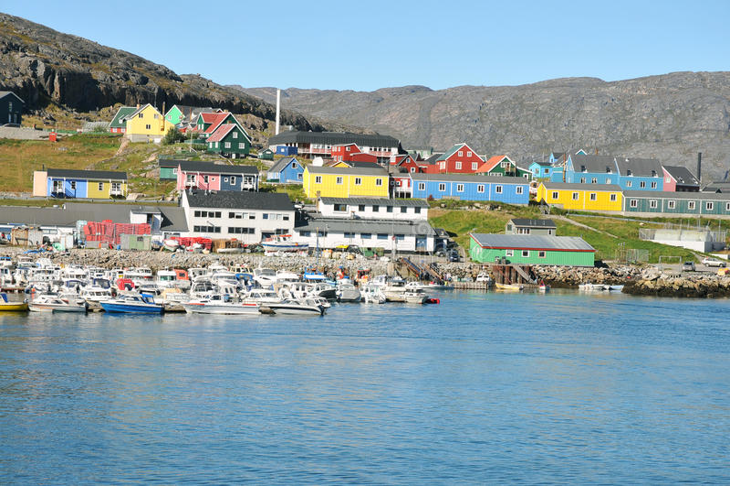 Bunte Häuser, Gebäude in Qaqortoq, Grönland stockbild