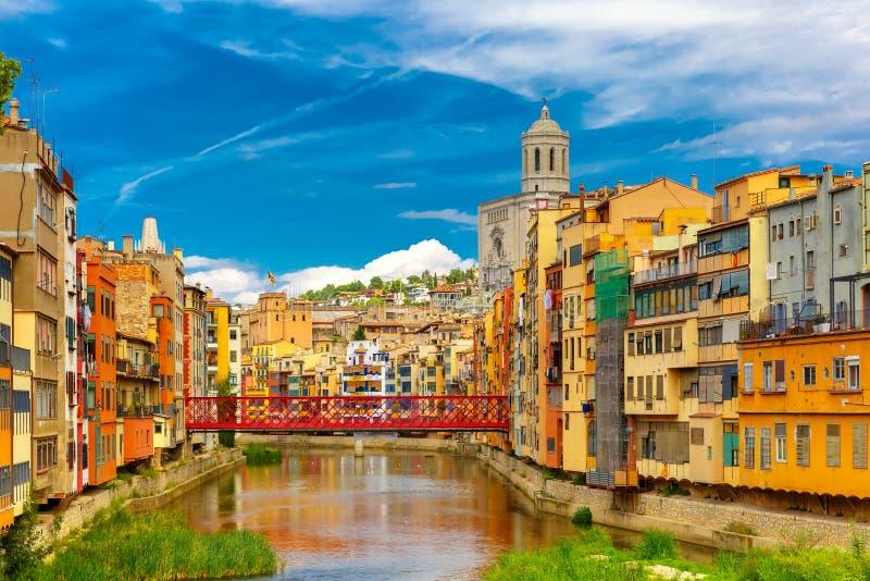 Bunte Häuser in Girona, Katalonien, Spanien lizenzfreies stockfoto