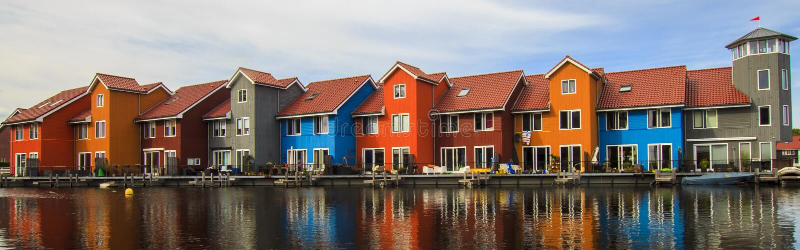 Bunte Häuser Groningen, die Niederlande stockfoto