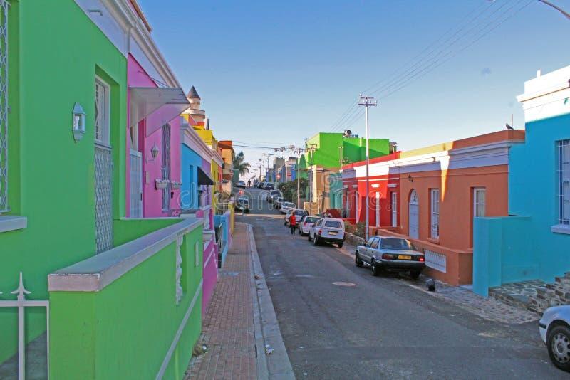 Bunte Häuser im Bezirk BO Kaap, Cape Town, Südafrika lizenzfreie stockfotografie