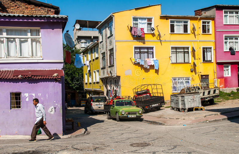 Bunte Häuser in Istanbul, die Türkei lizenzfreies stockfoto