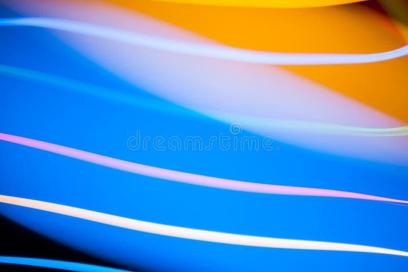 Bunte helle Mischweihnachtslichter, die in verschiedene Richtungen fließen lizenzfreies stockfoto