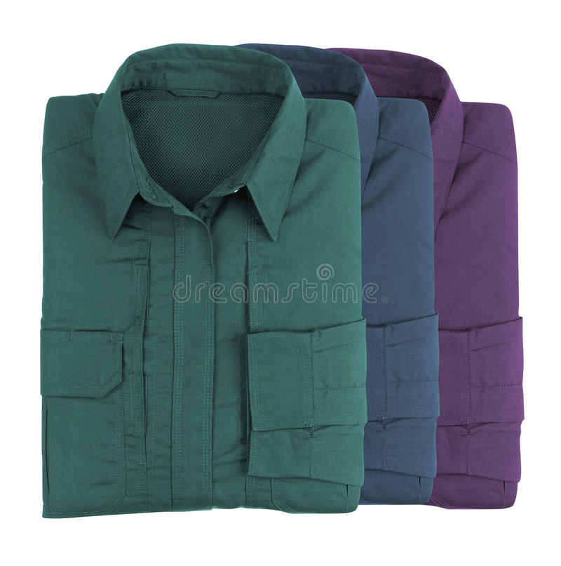 Bunte Hemden des Stapels lizenzfreie stockfotos