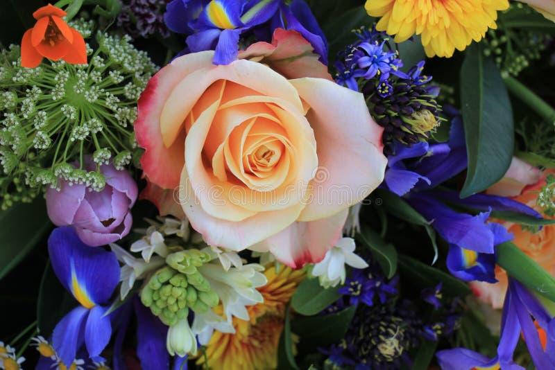 Download Bunte Hochzeits-Blumen stockfoto. Bild von bunt, pink - 90230966