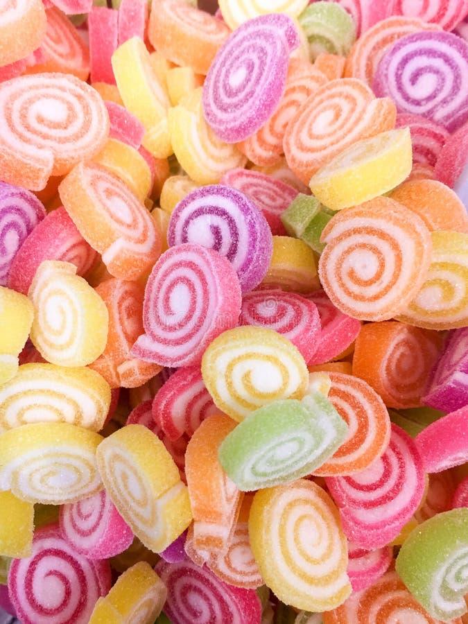 Bunte Jelly Candy-Bonbonsnackgruppe Bonbon für Valentinsgrußtageshintergrund Pastellfarbe in der grünen gelben rosa purpurroten O lizenzfreies stockbild