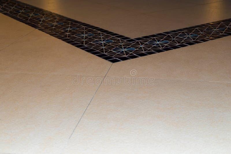 Bunte Keramikfliesen Wand und Bodendekoration lizenzfreie stockfotografie