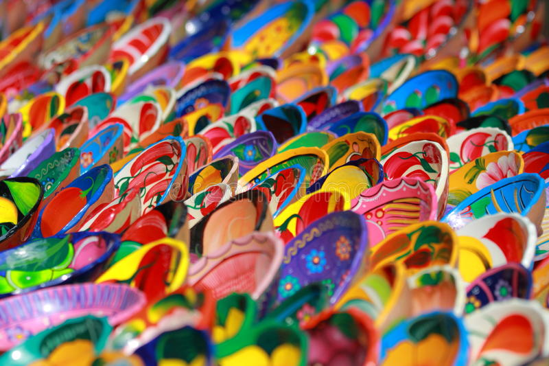Bunte mexikanische Dekoration-keramische Schüsseln lizenzfreie stockfotografie