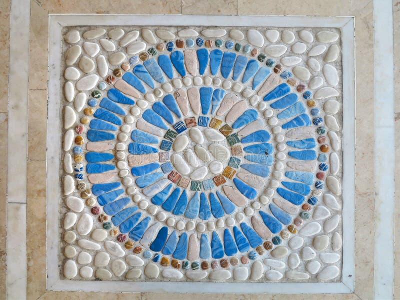 Bunte Mosaikplattendekoration des blauen Steins stockfotos