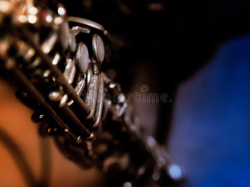 Bunte Nahaufnahme auf Holzblasinstrument-Schlüsseln stockfotografie