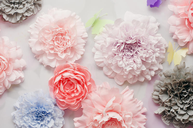 Bunte Papierblumen stockfotos