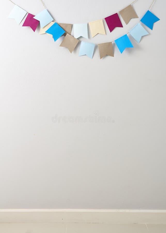 Bunte Papierflaggen, Feiertage stockbilder