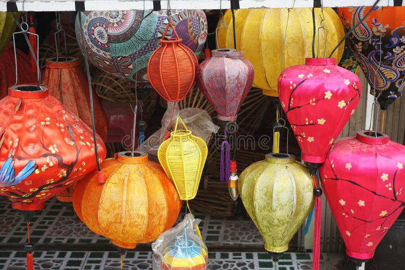 Bunte Seidenlaternen für Verkauf in Hoi An Vietnam lizenzfreies stockbild