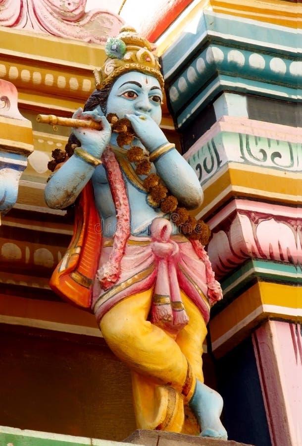 Bunte Statuen der hindischen Götter in Indien lizenzfreie stockbilder