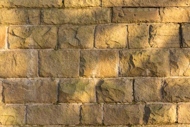 Bunte Steinwandbeschaffenheit Natürlicher Steinhintergrund lizenzfreie stockfotografie