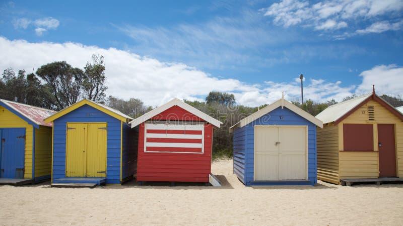 Bunte Strandhütten in Australien lizenzfreie stockfotografie