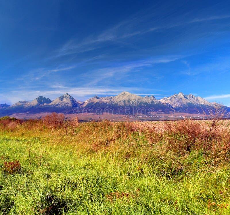 Bunte Tatra Berge am Sommer stockfoto