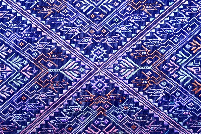 Bunte thailändische Seide handcraft peruanische die heftige Erhaltung der Artwolldecken-Oberfläche alte Weinlese, die vom freien  lizenzfreies stockfoto