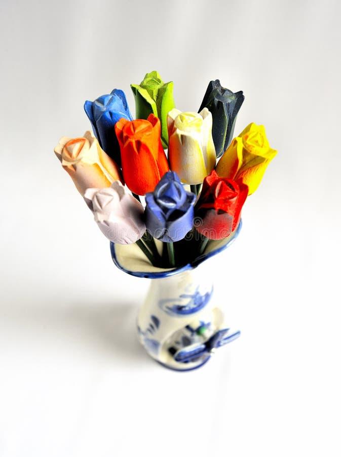 Bunte Tulpen im Blumen-Vase stockbild