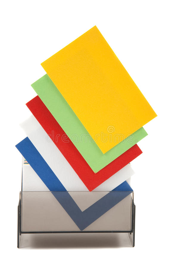 Bunte unbelegte Namenskarten in einem Kasten lizenzfreie stockbilder