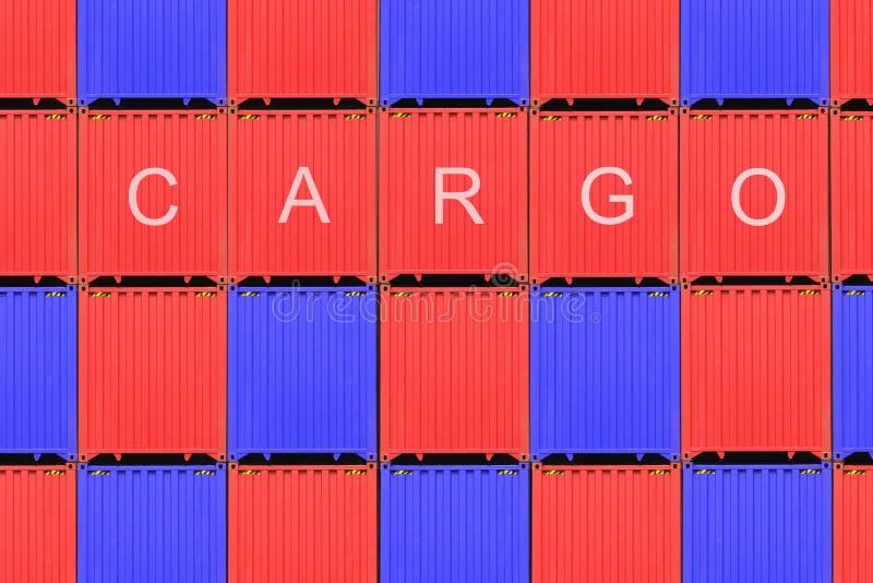 Bunten av behållare i en hamn, behållare boxas från lastfraktskeppet för importexporten, logistiskt begrepp arkivbild