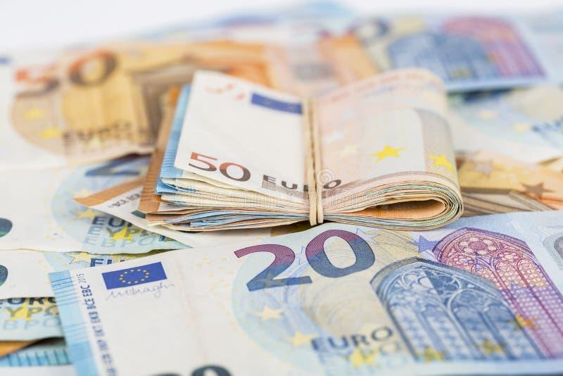 Bunten av eurokassa fakturerar sedlar royaltyfri fotografi