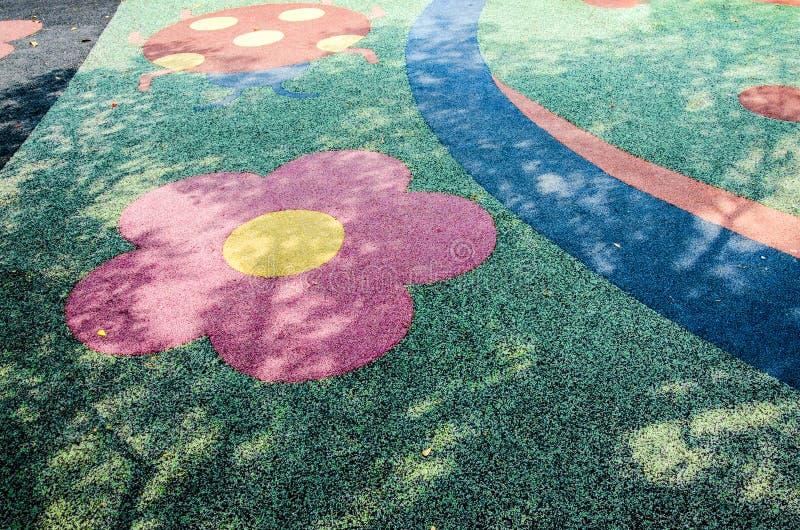 Bunter Boden im Spielboden stockfotos
