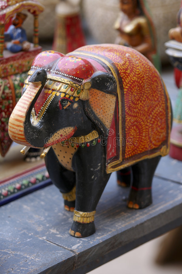 Bunter hölzerner indischer Elefant stockbilder