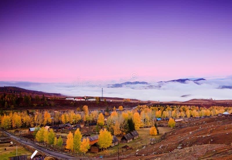 Bunter Herbst von China Xinjiang stockfotos