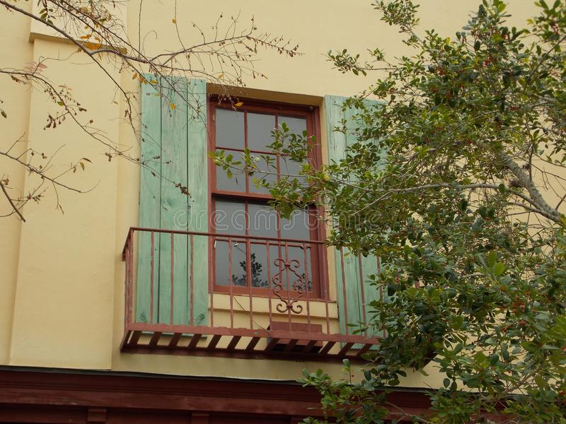 Bunter instabiler Balkon lizenzfreies stockbild
