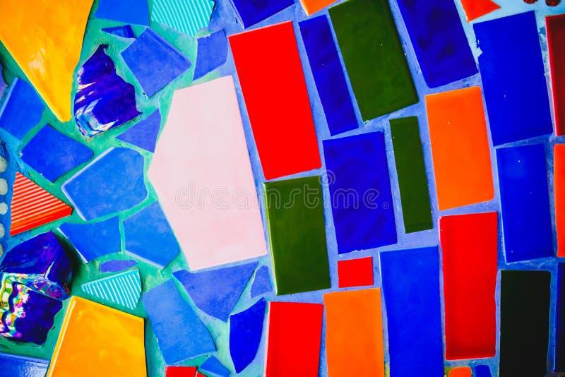 Bunter Mosaikmusterhintergrund Gemacht von keramischem stockfoto