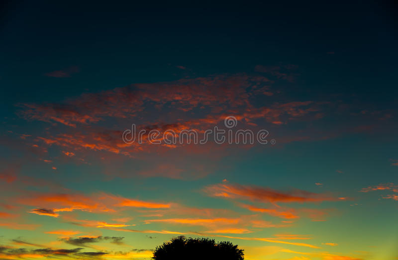 Bunter Sonnenaufgang stockfotos