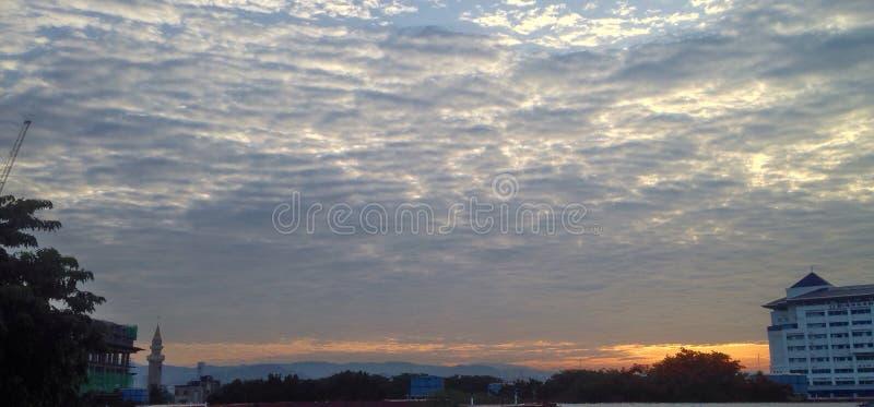 Bunter Sonnenaufgang lizenzfreie stockfotos