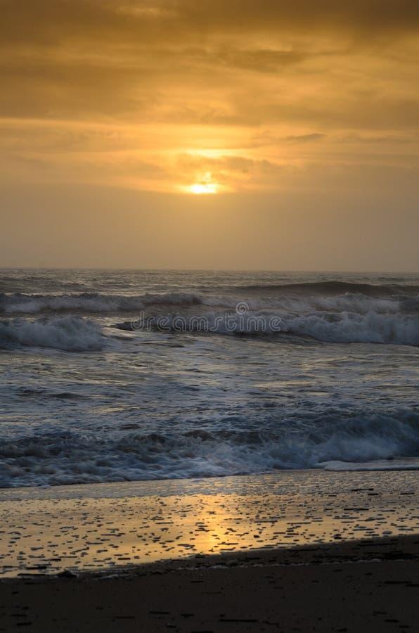 Bunter Sonnenaufgang auf der Ostküste von Florida stockbild