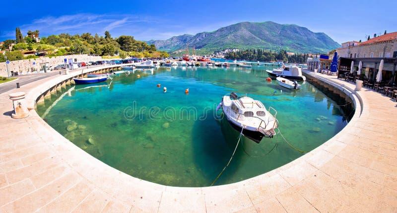 Bunter Türkishafen in der Stadt von Cavtat-Panoramablick lizenzfreies stockbild