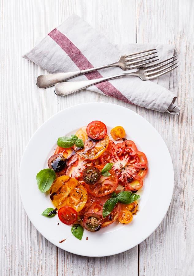 Bunter Tomatensalat lizenzfreie stockfotografie