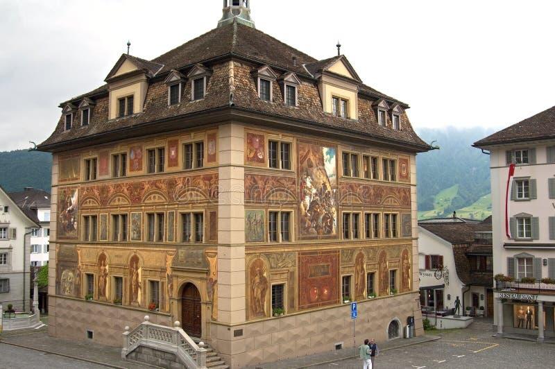 Buntes altes Rathaus Schwyz, die Schweiz lizenzfreies stockbild