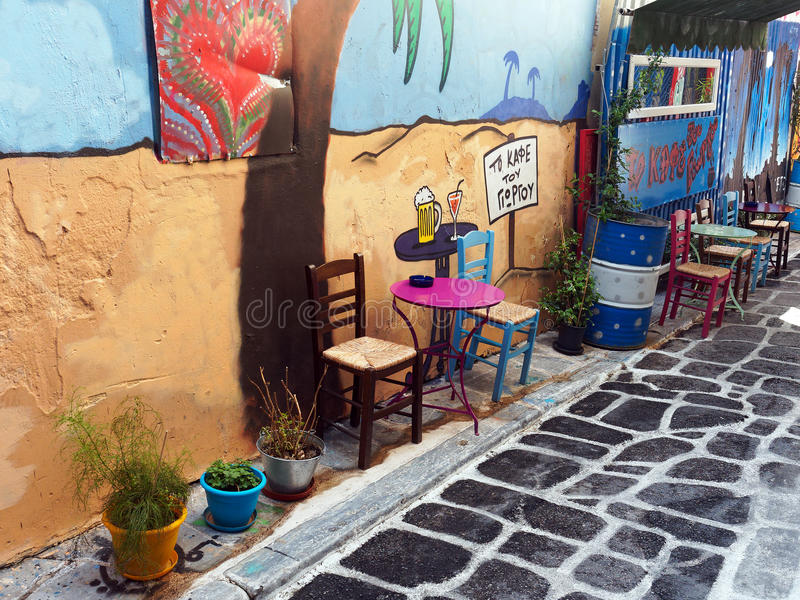 Buntes Café, Psirri, Athen, Griechenland lizenzfreie stockfotografie
