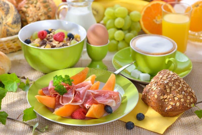Perfect Buntes Frühstück