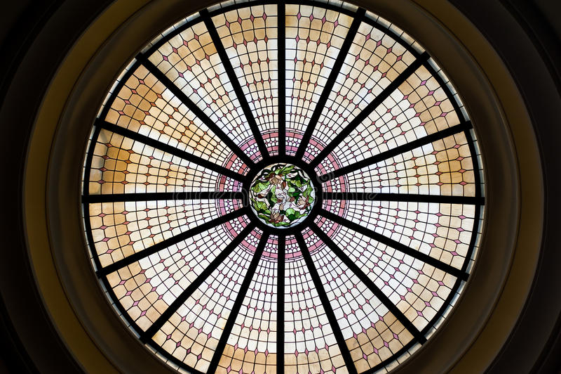 buntes Glas des Dachs ist die moderne Art und das Design für buildi lizenzfreies stockbild