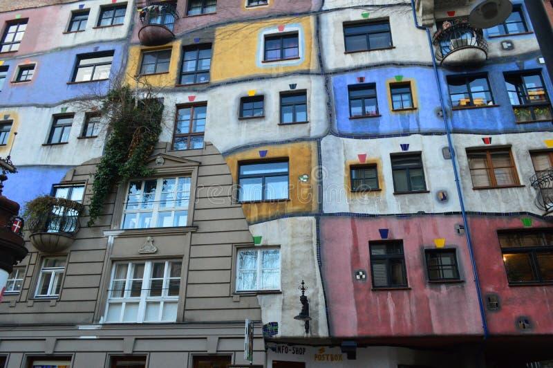 Buntes Hundertwasser-Haus, Wien Österreich stockfotos