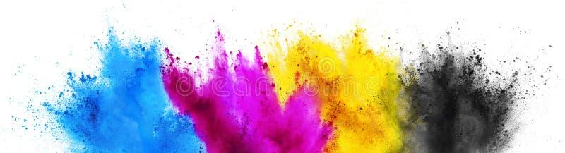 Buntes lokalisierter weißer Hintergrund des CMYK-cyan-blaues magentarotes gelbes Schlüssel-holi Farbenfarbpulverexplosions-Drucke stockfoto