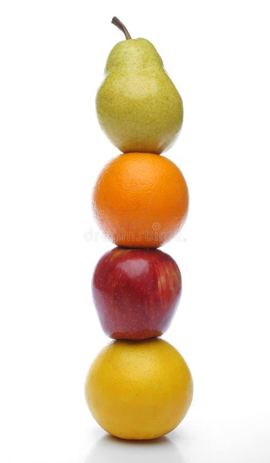 Buntes Totem der frischen Früchte lizenzfreie stockfotos