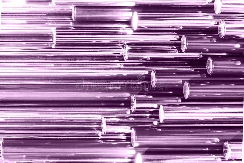 Buntes ultraviolettes ganz eigenhändig geschriebes metallisches Rohr als Beschaffenheit Schillernde Tapete Metalloberfläche, modi stockfotografie