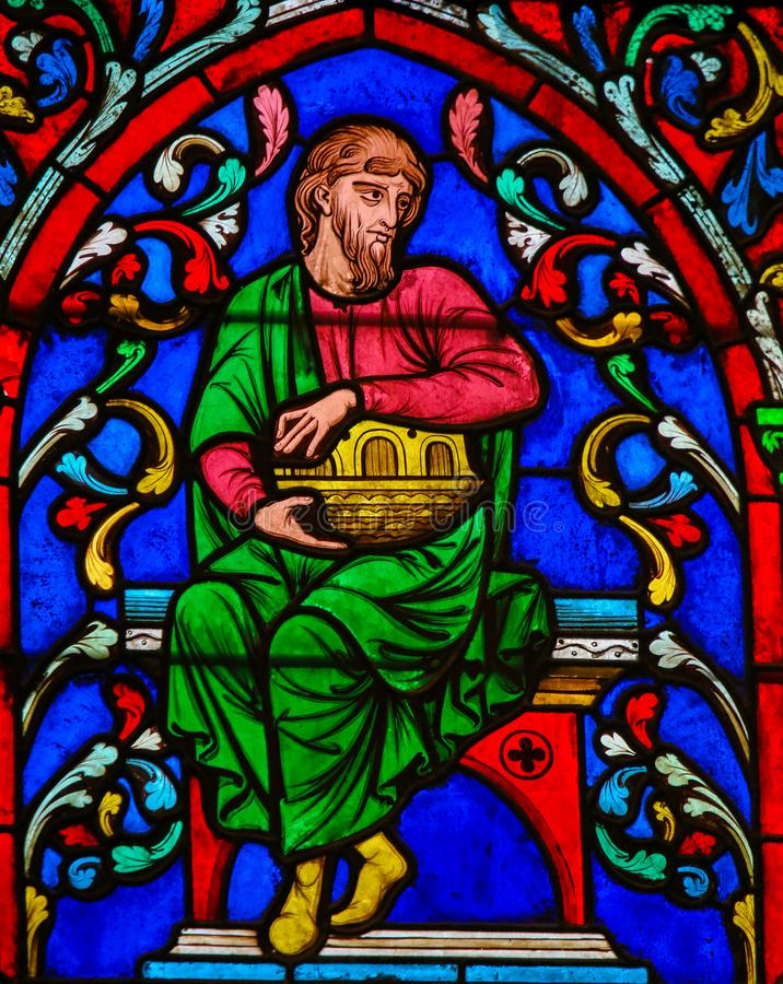 Buntglas in Notre Dame, Paris von Noah lizenzfreies stockbild