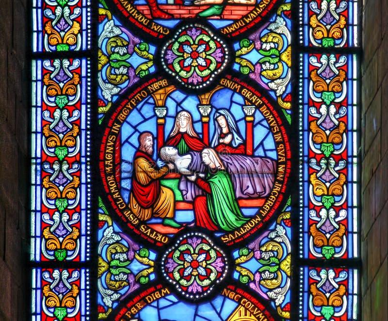 Buntglasfenster, das den Tod des fiirst getragen zeigt stockbilder