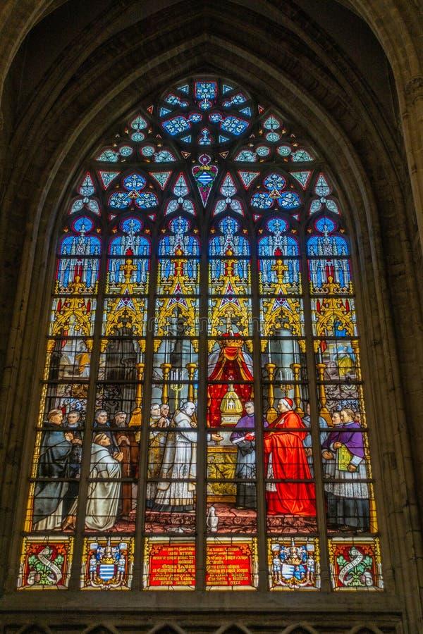 Buntglasfenster der Kathedrale von St Michael und von St., Gudula, stockbild