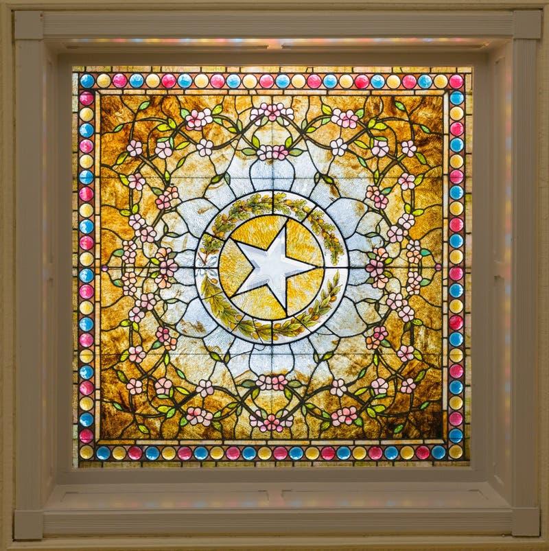 Buntglasfenster mit dem Stern von Texas in Austin stockbilder
